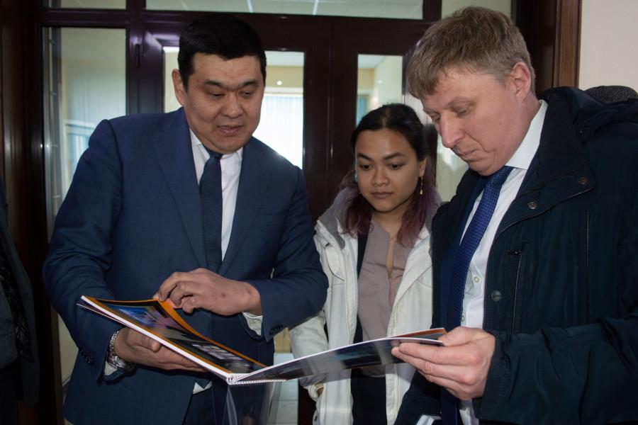 Пробация в Кыргызстане - Директор Департамента пробации встретился с главой УНП ООН