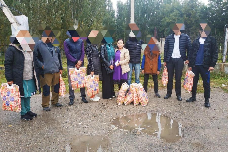 Пробация в Кыргызстане - Клиент пробации оказал продовольственную помощь десяти малообеспеченным семьям в Таласе